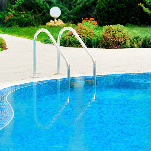 Clarify pool water